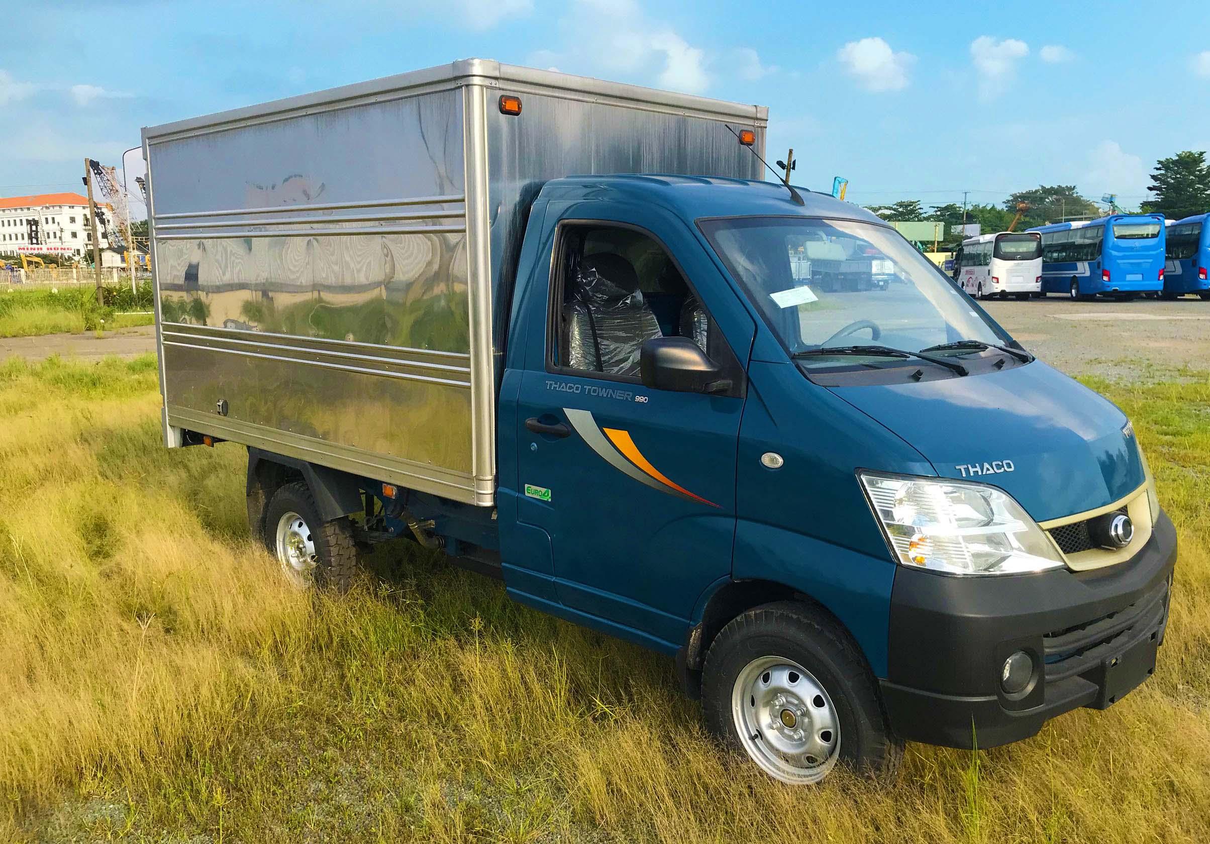 Xe-tải-nhỏ-Thaco-Towner-990-Thùng-Kín-màu-Xanh-Dương-5.jpg